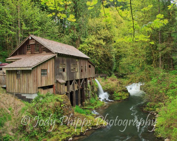 Built in 1876 by George Woodham and his sons, the Cedar Creek Grist Mill was originally named the Red Bird Mill.